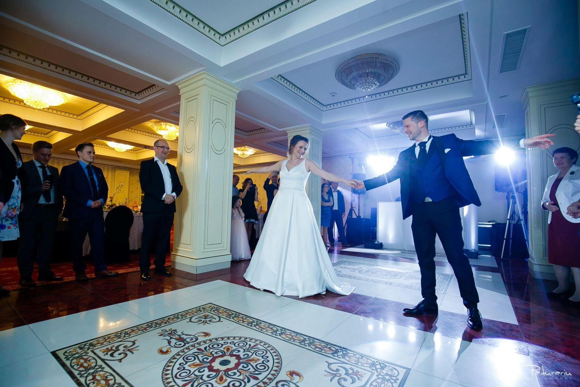 Alex si Natalia nunta Sala Regala La Castel Iasi - fotograf profesionist nunta iasi Paul Padurariu 2019 15