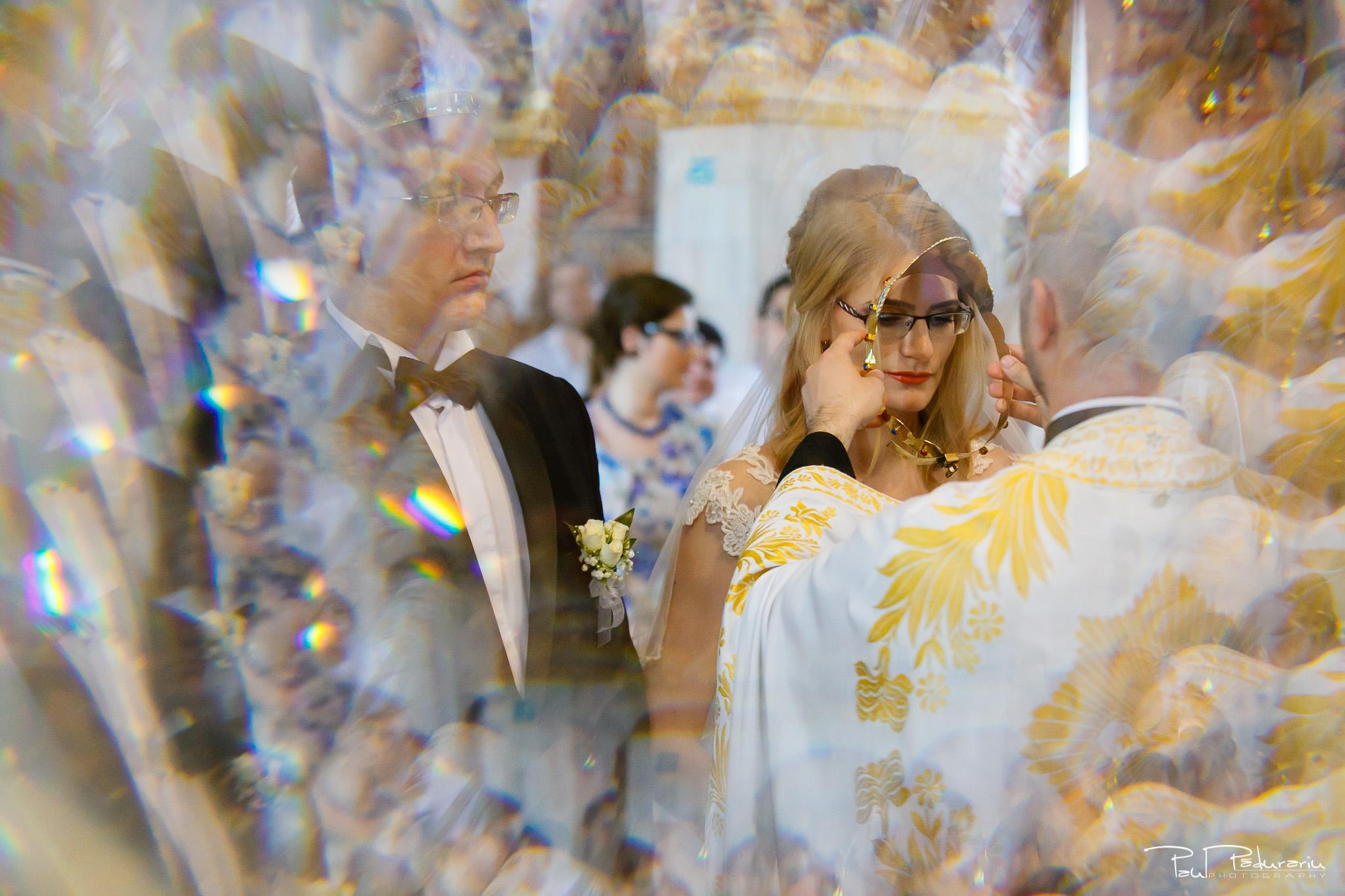 Anca si Razvan - cununia religioasa Biserica Sfantul Nectarie Alexandru Iasi - Paul Padurariu fotograf profesionist nunta iasi www.paulpadurariu.ro © 2018 Paul Padurariu 4