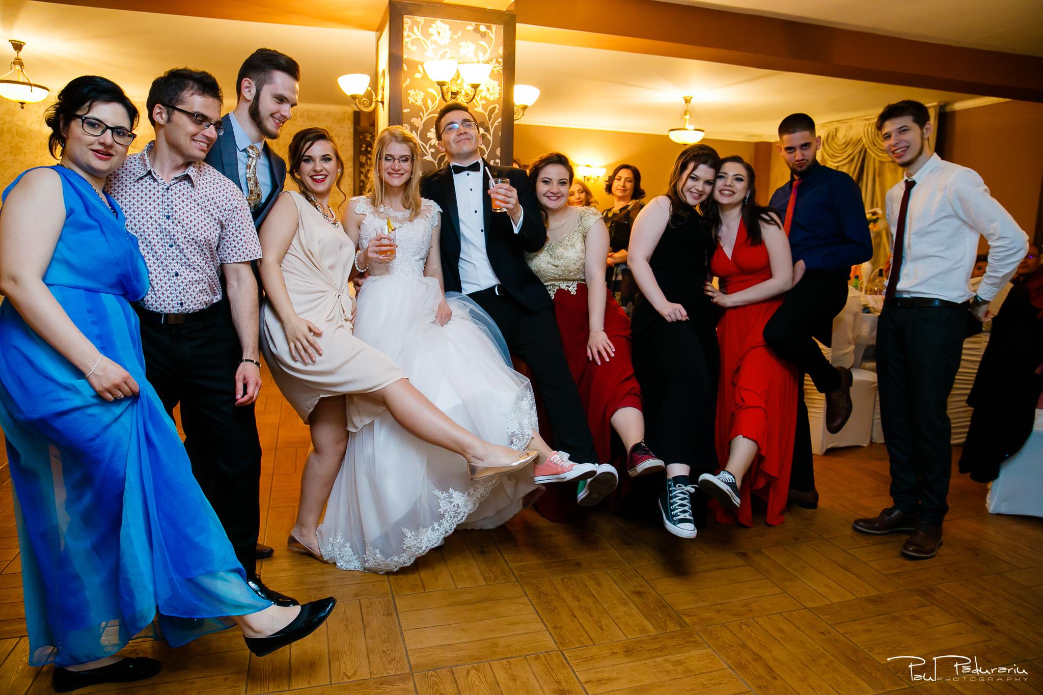 Anca si Razvan petrecere restaurant American Iasi - Paul Padurariu fotograf profesionist nunta iasi www.paulpadurariu.ro © 2018 Paul Padurariu 20