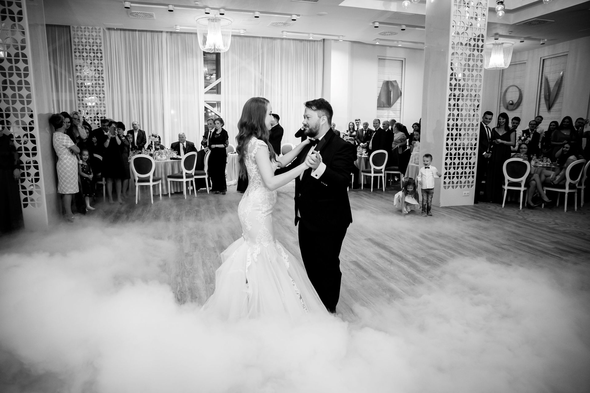 Larisa si Vlad - Nunta la Unirea - fotograf nunta iasi   fotograf profesionist Paul Padurariu 25