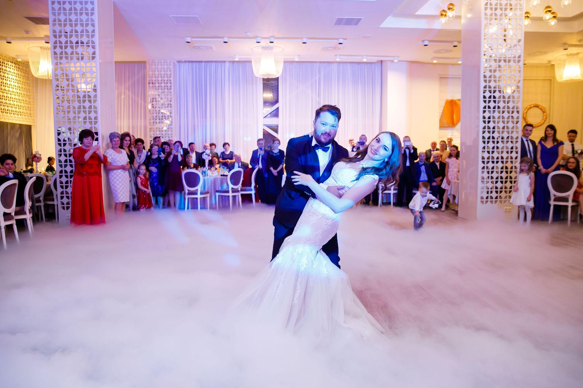 Larisa si Vlad - Nunta la Unirea - fotograf nunta iasi   fotograf profesionist Paul Padurariu 22
