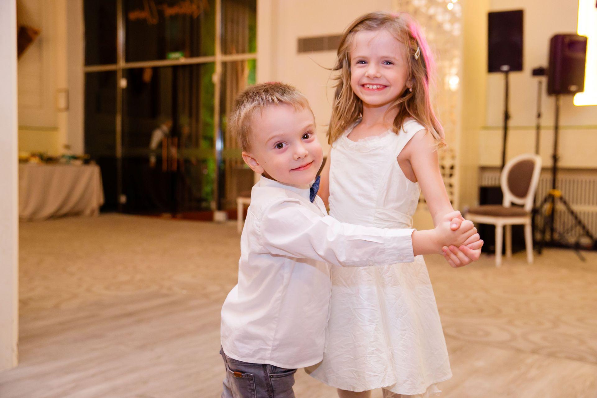 Larisa si Vlad - Nunta la Unirea - fotograf nunta iasi | fotograf profesionist Paul Padurariu 18