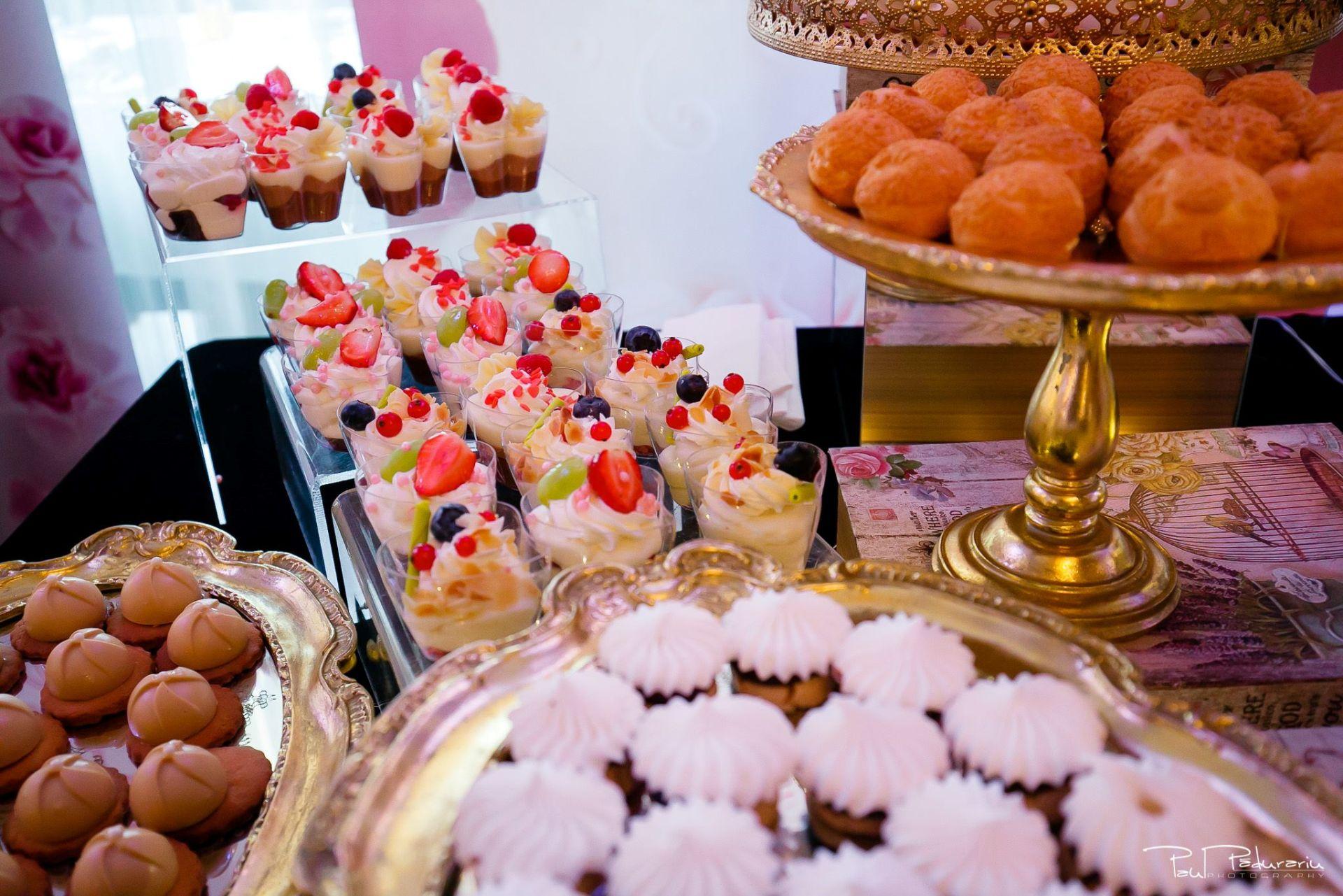 Cofetaria La Rosa - prajituri, torturi si candy bar pentru nunta Iasi fotograf Paul Padurariu 19