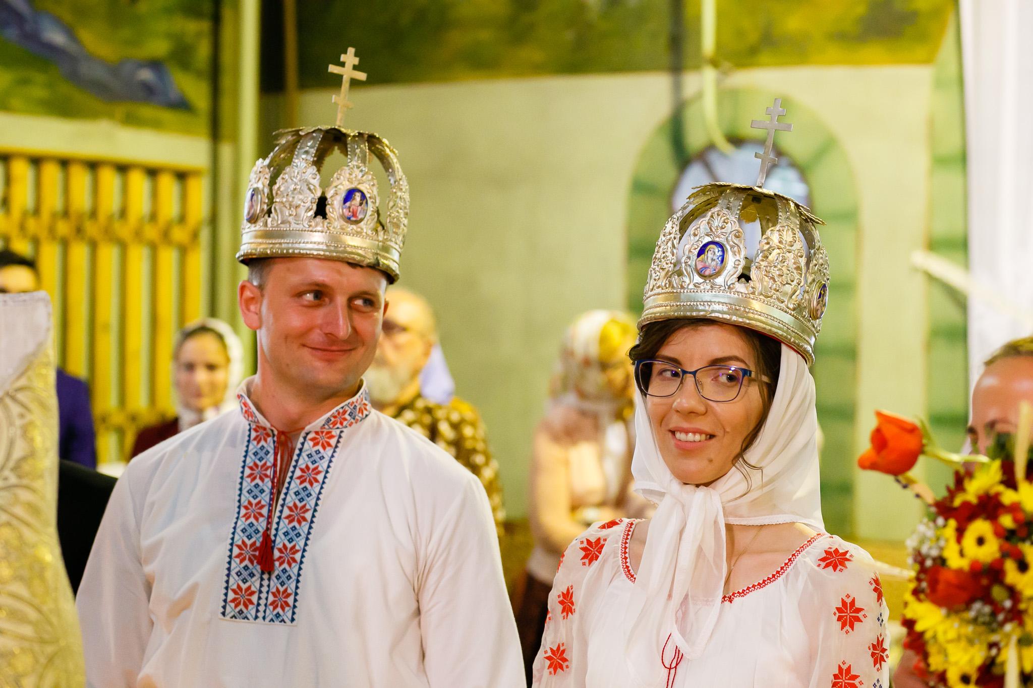 Nuntă tradițională Elisabeta și Alexandru fotograf profesionist nunta Iasi www.paulpadurariu.ro © 2018 Paul Padurariu fotograf de nunta Iasi cununia religioasa 3