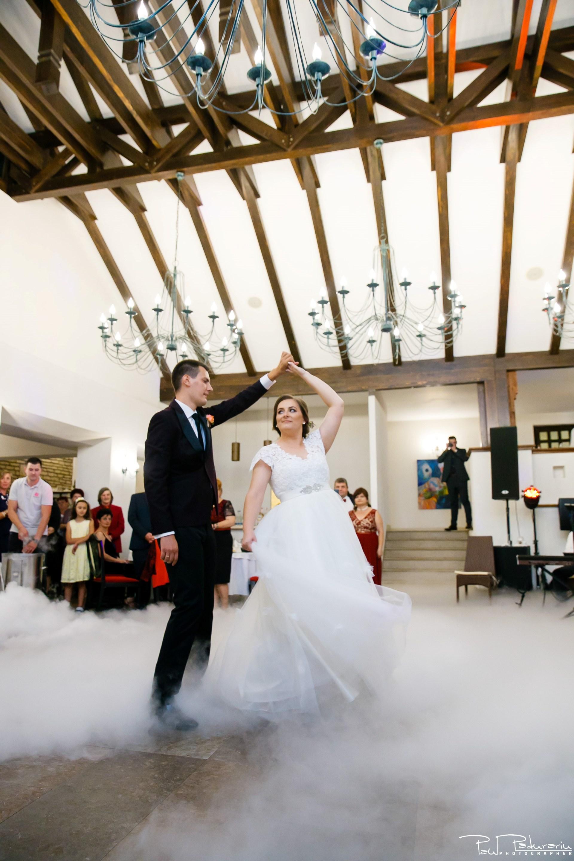 Cristina si Razvan nunta rustica la Bellaria Iasi dansul mirilor foto fotograf profesionist nunta www.paulpadurariu.ro © 2017 Paul Padurariu