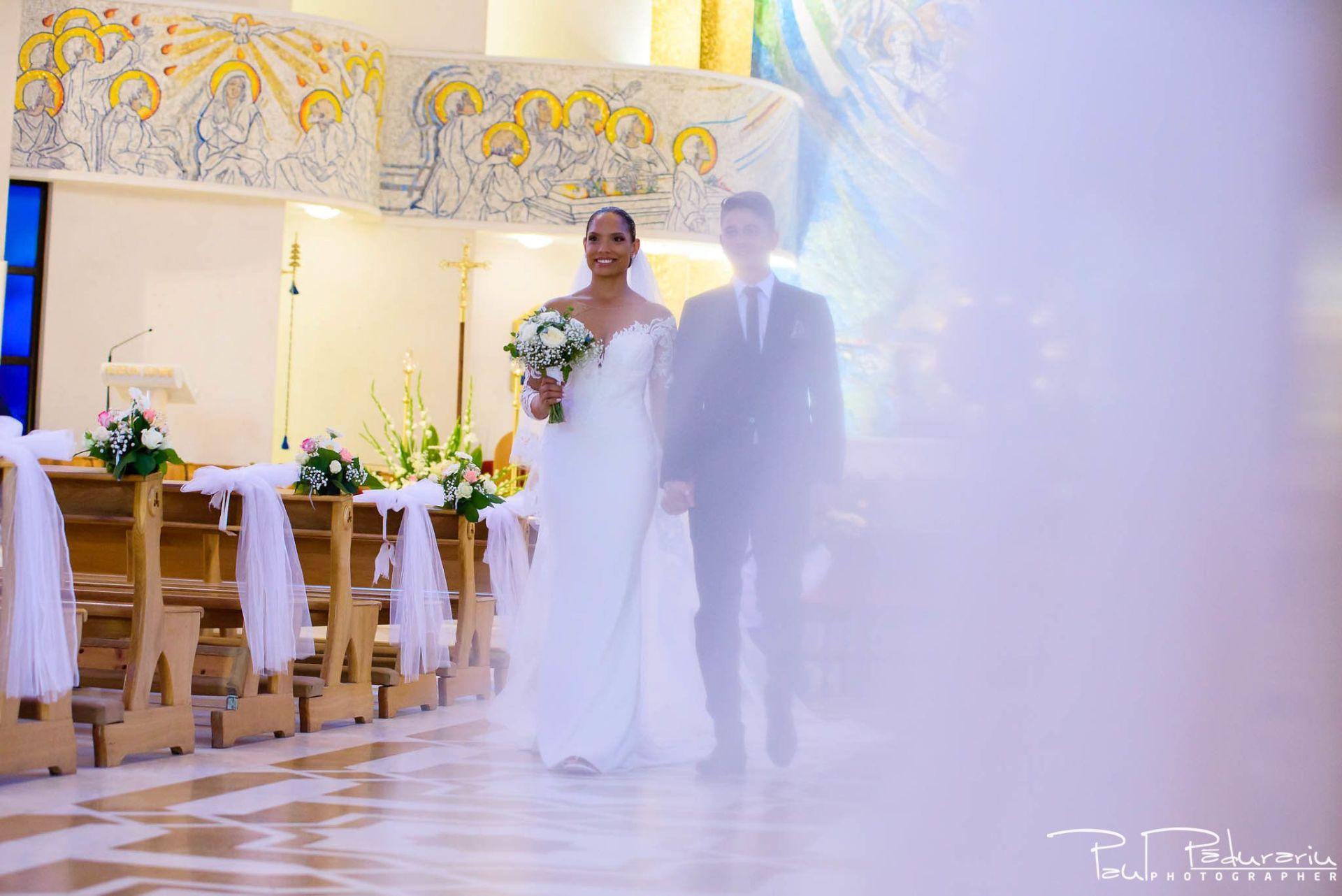Andrei si Michaela cununia religioasa Catedrala Sfanta Fecioara Maria, Regina | fotograf nunta Iasi Paul Padurariu 2