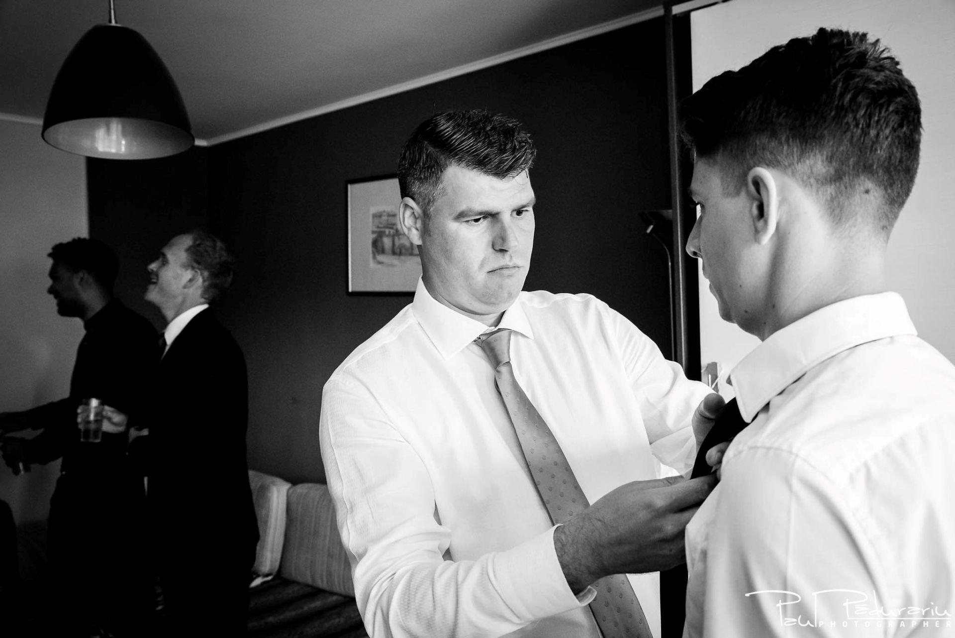 Andrei si Michaela - pregatiri miri | fotograf nunta Iasi Paul Padurariu 1