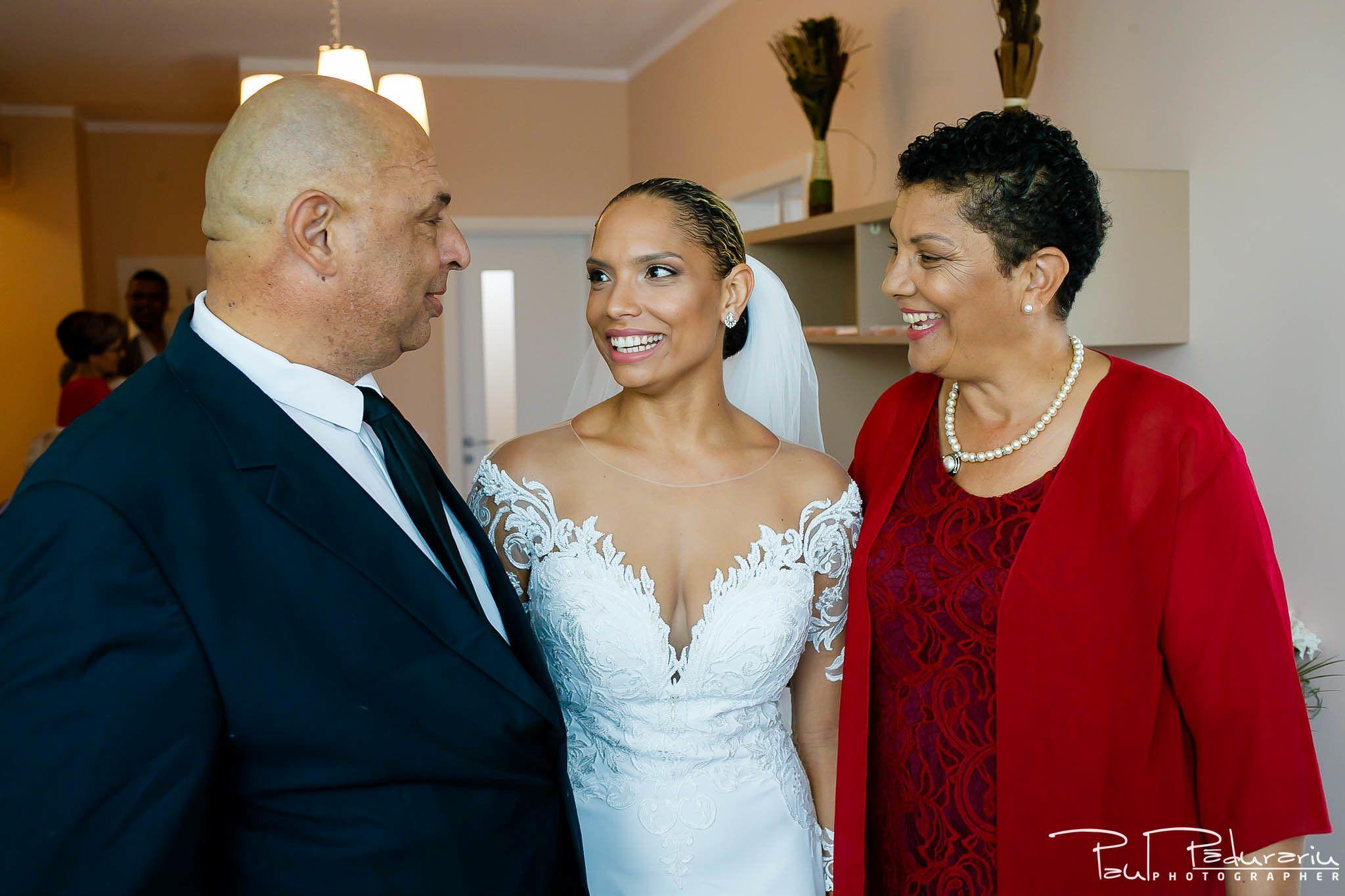Andrei si Michaela - pregatiri miri | fotograf nunta Iasi Paul Padurariu 7