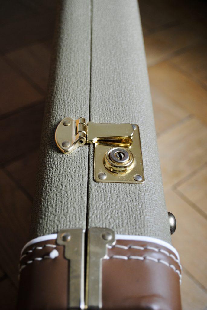 Fender AV 64 Telecaster G&G Case