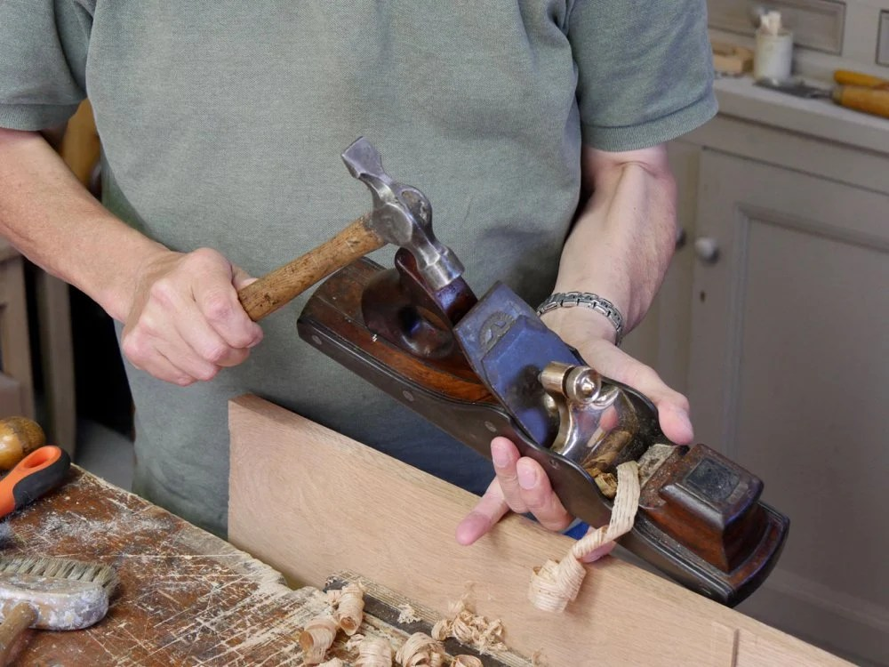 Tapping from the top is one way to set the depth of the cutting iron...