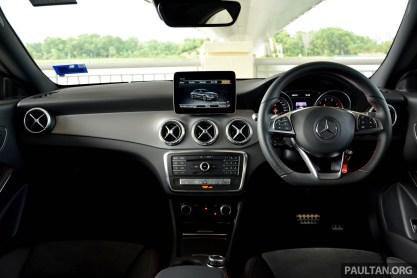 Mercedes-Benz-CLA-200-64