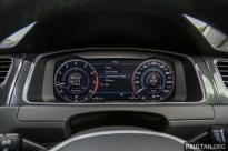 Volkswagen_Golf_R-Line_Int-7