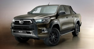 2020-Toyota-Hilux-facelift-1