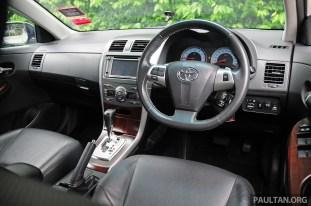 2010-2013_Toyota_Corolla_Altis_ 053