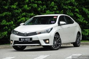 2014_Toyota_Corolla_Altis_ 013
