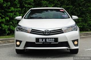 2014_Toyota_Corolla_Altis_ 016