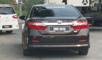 Toyota-Camry-Hybrid-Malaysia-Spyshots-0003