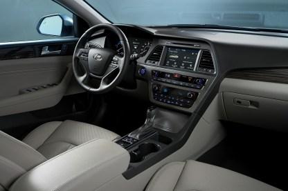2016 Hyundai Sonata Plug-in Hybrid Electric Vehicle (PHEV), Interior