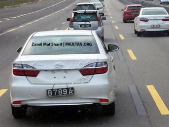 toyota-camry-facelift-spotted-on-road-malaysia-2 copy