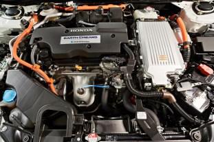 2015-honda-accord-sport-hybrid-australia-10