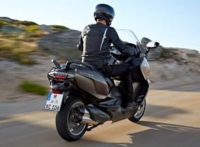 bmw-c650-sport-and-c650-gt-riding-0035