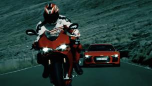 Audi R8 V10 Plus vs Ducati screenshot-01