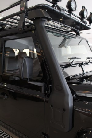 Land Rover Defender Limited Edition-05