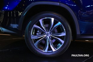 Lexus-RX-wheel