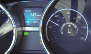 Hyundai Tucson Fuel Cell screenshot-02