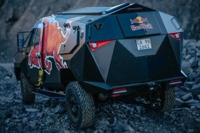 red-bull-reveals-armored-event-vehicle-with-stealthy-look-land-rover-defender-chassis_6
