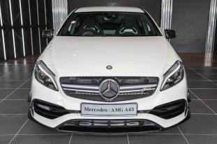 Mercedes_A45-1