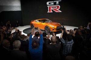 2017 Nissan GT-R makes world debut at NYIAS