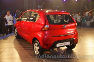 2016-datsun-redi-go-debut-india-022_BM