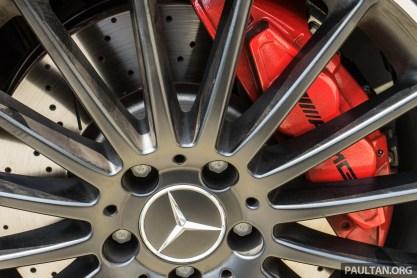Mercedes-AMG-A-45-26