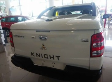 Triton Knight FB-04