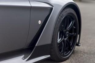 Vantage GT12 Roadster_06