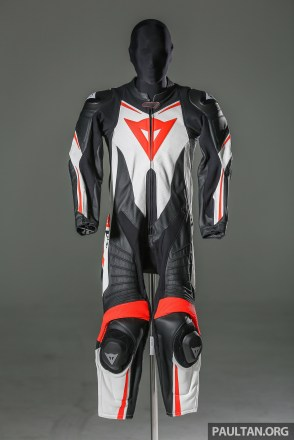 dainese_suit-1