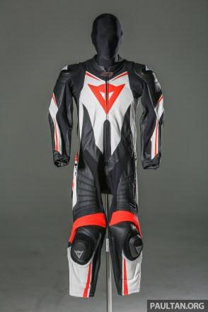 dainese_suit-1