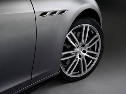 09 Maserati Ghibli