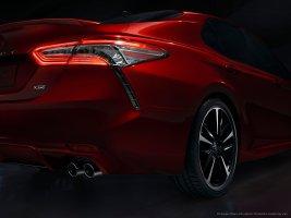 2018_Toyota_Camry_08hr_BM
