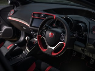 Honda-Civic-Type-R-Black-Edition-4-850x638_BM
