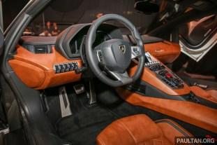 Lamborghini_AventadorS_Int-1_BM
