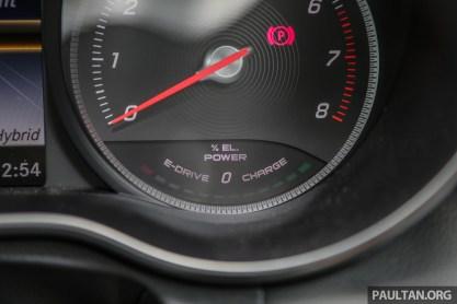 MercedesBenz_C350e_Int-16