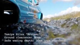 Toyota-Hilux-x-Tamiya-Bruiser-wade2