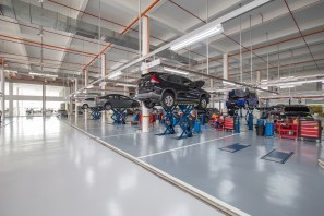 05 Kah Motor Honda 4S Centre in Tebrau has 37 service bays that can cater up to 36,000 service intakes a year