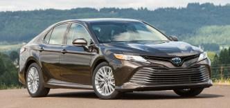 2018_Toyota_Camry_XLE_Hybrid_24_FF81643D84BB8725A24A887F95C671C5CD1D057C