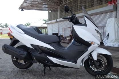 Suzuki Burgman 400 15