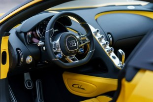 Bugatti-Chiron-delivery-USA-3-850x567_BM