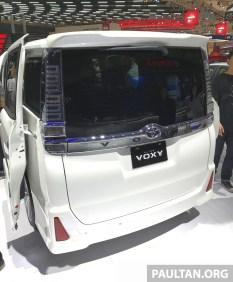 toyota voxy indon 02