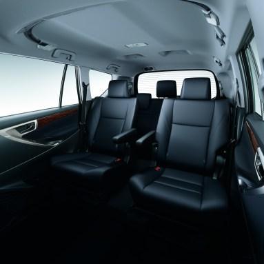 2nd-row Captain Seats_BM